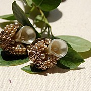 Vintage Faux Pearl & Shell Gold Tone Screw Back Earrings