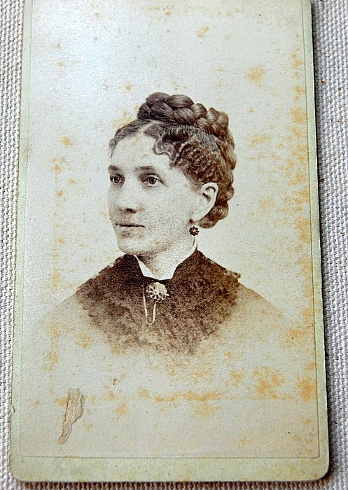 Victorian Cabinet Card Lady Hartford Conn.