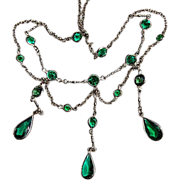 Beautiful Edwardian Emerald Green Paste Festoon Necklace