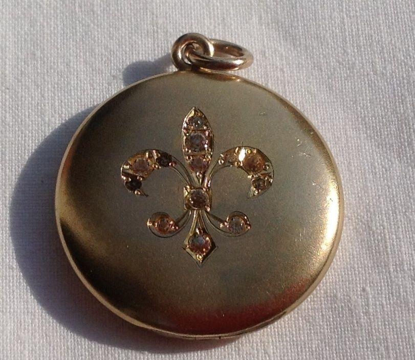 Victorian Gold Filled Paste Rhinestone Fleur D Lis Motif Locket