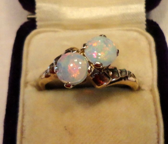 Vintage 10K Yellow Gold Double Fiery Opal Ring