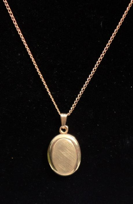 "Vintage 14K Gold Filled Oval Double Photo Locket & 18"" 12K Gold Filled Chain"