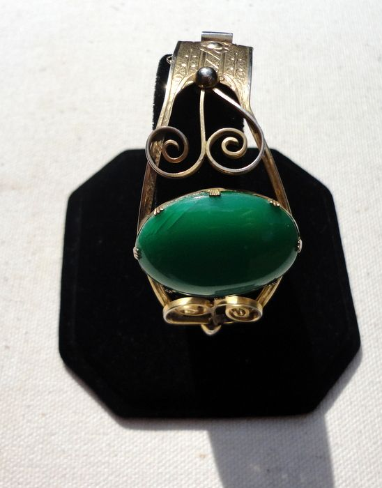Vintage Gold Filled Emerald Green Cabochon Hinged Bangle Bracelet