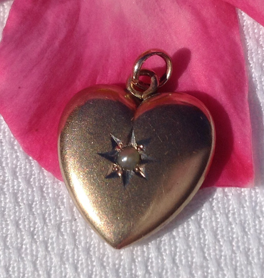 Vintage 14K Gold Pearl Heart Pendant Charm