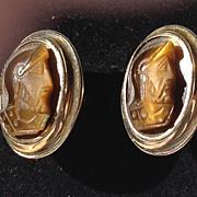 Vintage Gold Tone Metal Agate Carnelian Roman  Cuff Links