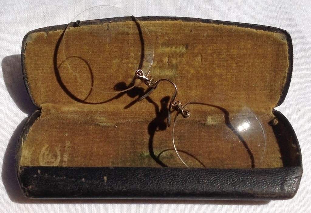 Victorian Pince Nez Bifocal Glasses & Case