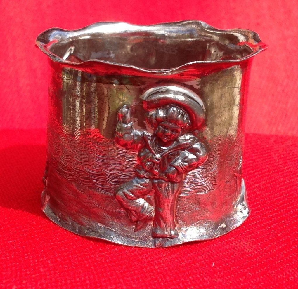 Fabulous Victorian Seaside Nursery Rhyme Silverplate Napkin Ring