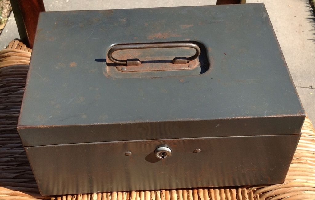 Vintage Steelmaster Cash Box