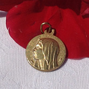 Vintage Blessed Mother Vatican Holy Spirit Medal