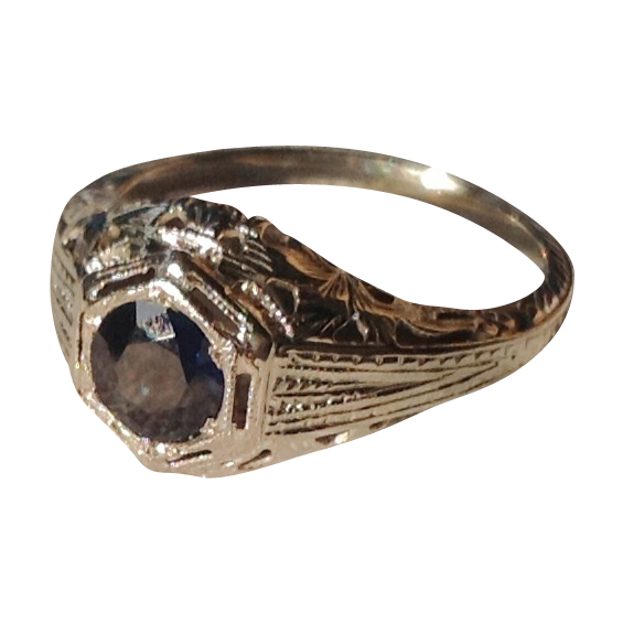 Art Deco 18K White Gold Filigree Sapphire Ring