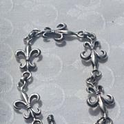 Vintage  Silver Tone Metal Fleur D Lis Link Bracelet