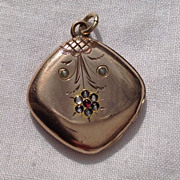 Victorian Gold Filled Double Photo Locket