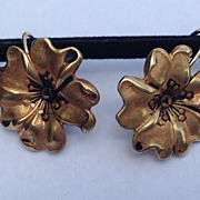 Vintage Gold Tone Metal Flower Motif Earrings
