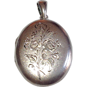Vintage Sterling Silver Large Oval Double Photo Locket