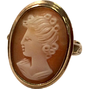 Vintage 10 K Gold Carved Shell Cameo Ring