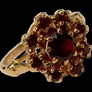 Vintage 14 K Gold Bohemian Garnet Ring
