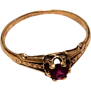 Antique Victorian 10 K Gold Garnet Ring