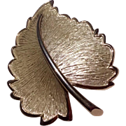 Vintage Gold Ton Metal Leaf Brooch