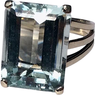 Vintage 1940's French 18 K White Gold 10 Carat Emerald Cut Aquamarine Statement Ring