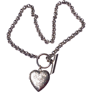 Fabulous Silver Plate On Brass Belcher Chain  Necklace & Heart Shaped Double Photo Locket With Toggle