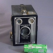 Brownie Target Six-20 Eastman Kodak Box Camera