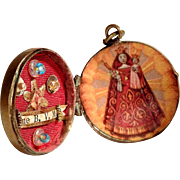Old Relic Holder Theca Locket Shape