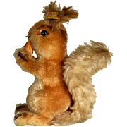 Steiff Squirrel with Nut Possy #2001/22 ca. 1970