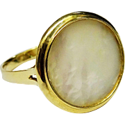 Shimmering Mother of Pearl 14K Yellow Gold Ring Fine Vintage