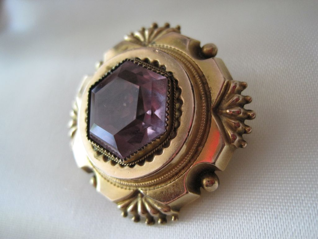Exquisite Victorian Memorial Amethyst 10K Gold Brooch Locket FINE