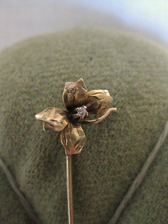 Vintage 14 K Gold & Diamond Flower Cravat or Stick Pin