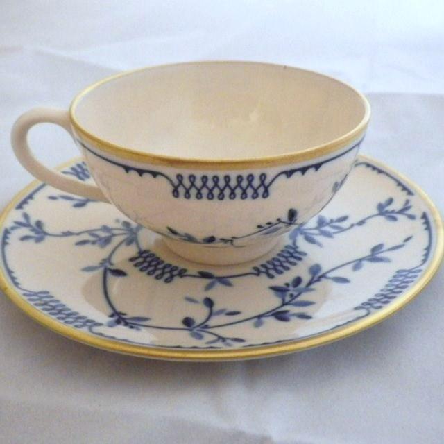 """Vintage Franciscan """"Elsinore"""" Pattern Demitasse Cup & Saucer"""