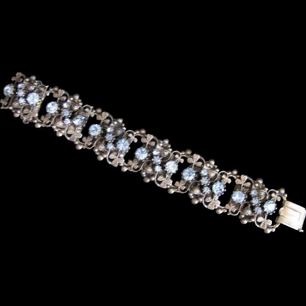 Vintage Silvertone Clover & Blue Rhinestone Bookchain Bracelet