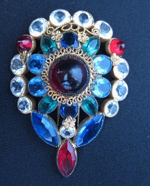 Vintage Glass Cabochon, Rhinestone & Crystal Gold Plate Fur Clip