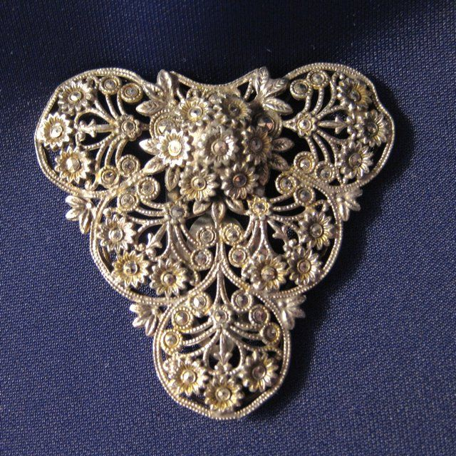 Vintage Silvertone and Marcasite Dress or Fur Clip