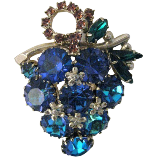 vintage signed weiss rhinestone grape bunch brooch. Black Bedroom Furniture Sets. Home Design Ideas