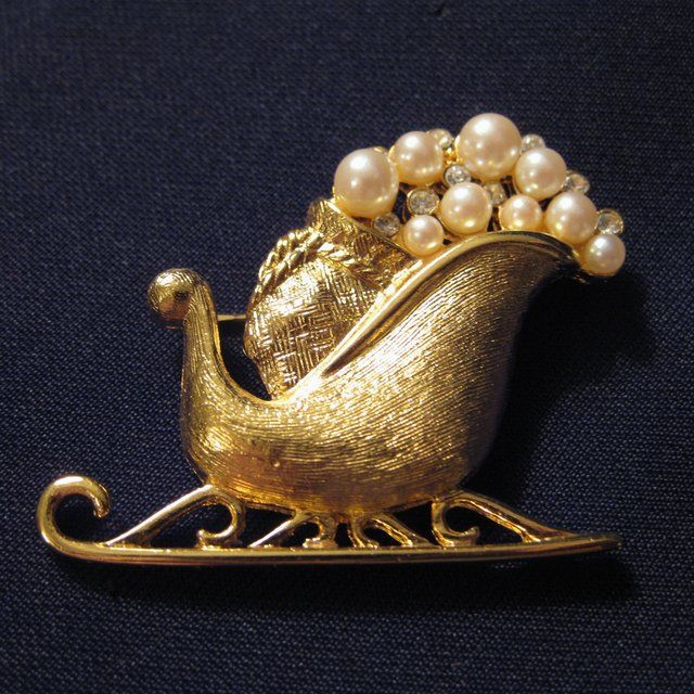 Scarce Vintage Signed Richelieu Goldtone, Faux Pearl and Rhinestone Sleigh Brooch
