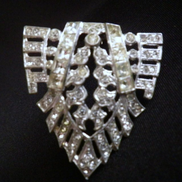 Vintage Art Deco Era Rhinestone Dress or Fur Clip