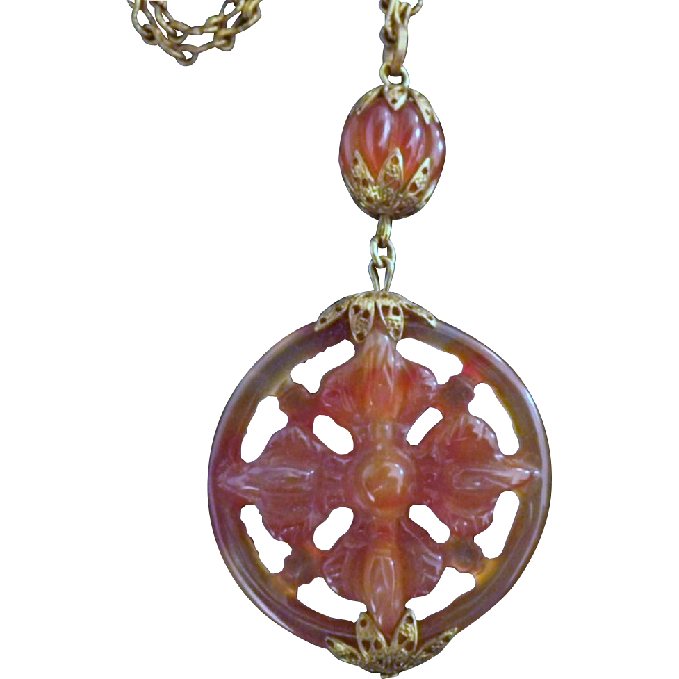 Vintage Carnelian Agate Flower Wheel Pendant Necklace