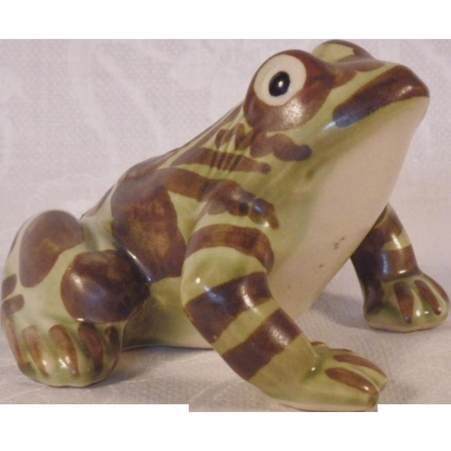 Vintage Ceramic Figurine 106