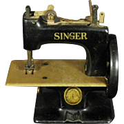 Vintage Singer Toy Sewing Machine