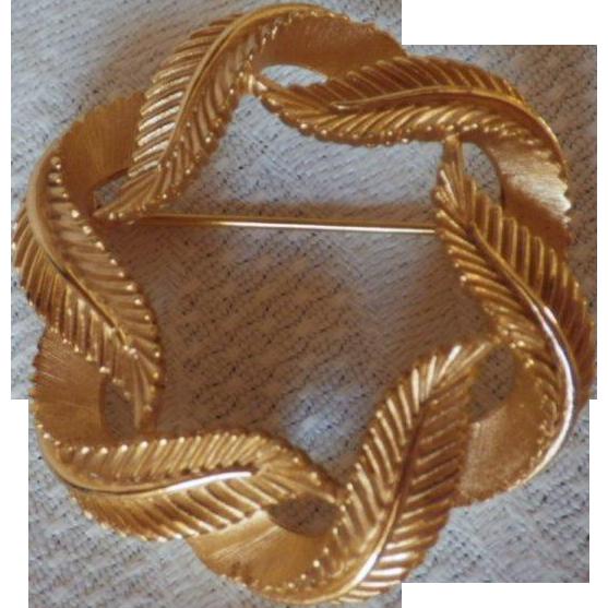 Vintage Signed Trifari Leaf Wreath Brooch