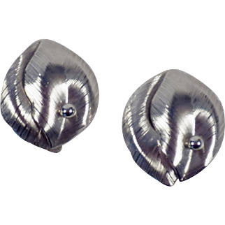 Vintage Pair of Silver Tone Double Leaf Earrings