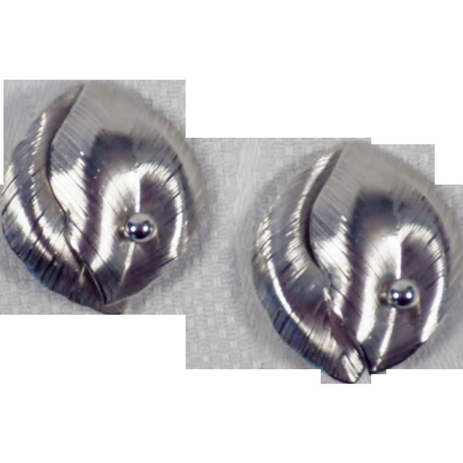 Vintage Pair of Silver Tone Double Leaf Earrings