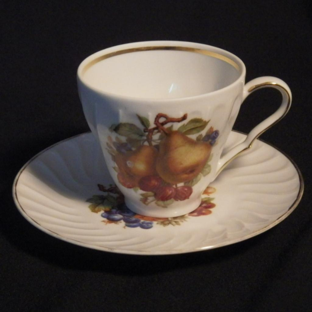 vintage cup saucer set by old nuremberg from blomstromantiques on ruby lane. Black Bedroom Furniture Sets. Home Design Ideas