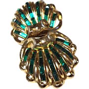 SPECTACULAR Coro DUETTE Fur Clips Pin Emerald GREEN Baguette Fur Clips Pin