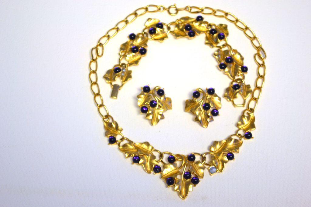 TRIFARI Kunio MATSUMOTO Purple Grape Necklace Bracelet Pin Earrings Full PARURE