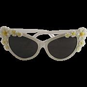 Vintage 1960's Mod Ladies Sunglasses with Daisies
