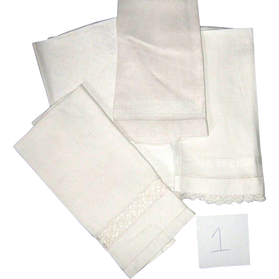 Victorian Hand Towels All White Four Pieces group 1