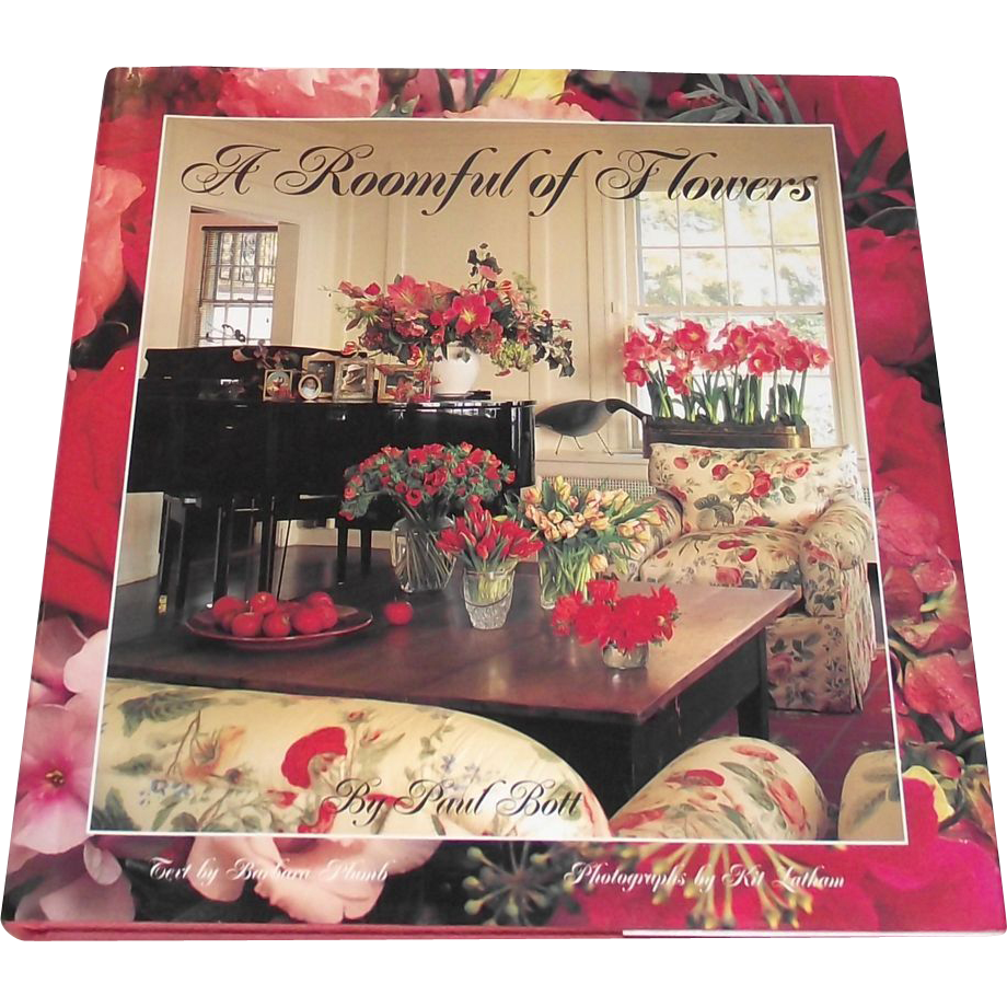 Vintage Coffee Table Book: A Roomful Of Flowers Decorators