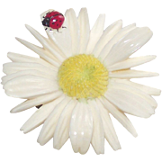 Vintage Daisy With Lady Bug Brooch in Resin 1960s
